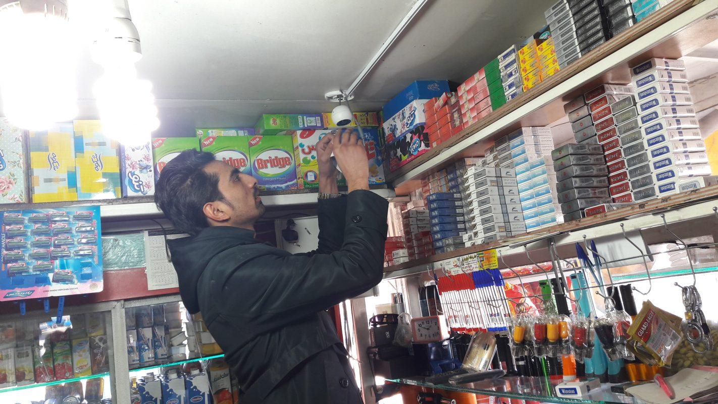 نصب  و راه اندازی  دوربین (فروشگاه برومند)